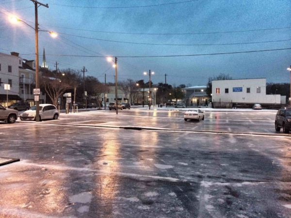 Use Anti-Icing Snow Removal Services for Icy Parking Lots